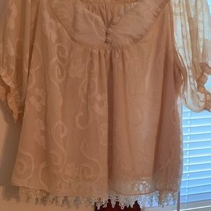 Forever 21 frilly boho ivory crop top lace medium